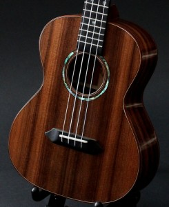 Custom Ukulele, Pau Ferro / Redwood Tenor