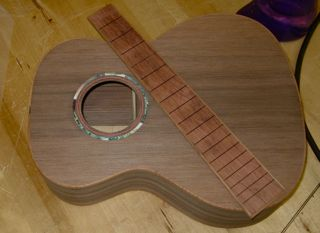 Sinker Redwood Tenor Ukulele - construction