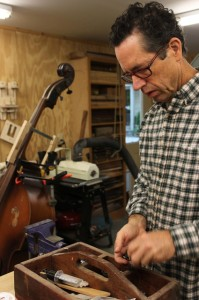 NC Guitar repair, stringed instrument repair by luthier Jay Lichty