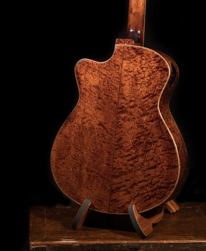 G106-Custom-Acoustic-Guitar-Maple-Medium-Jumbo