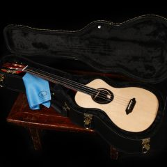 Custom Baritone Ukulele U125 – Ebony and Spruce