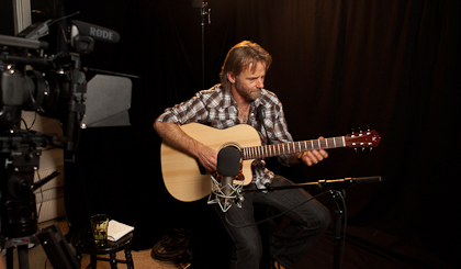 Geoff Achison in Lichty Guitars Studio