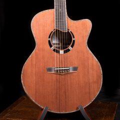 Custom Small Jumbo Guitar G117
