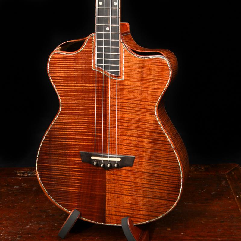 lichty-baritone-ukulele-u111