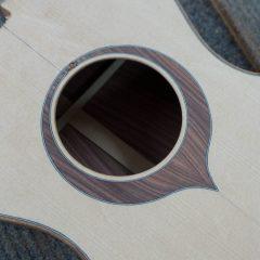 Custom-Ukulele-Pau-Ferro-Baritone