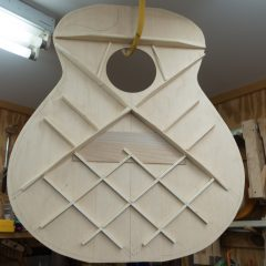 Medium-Jumbo-Guitar-Construction-G105