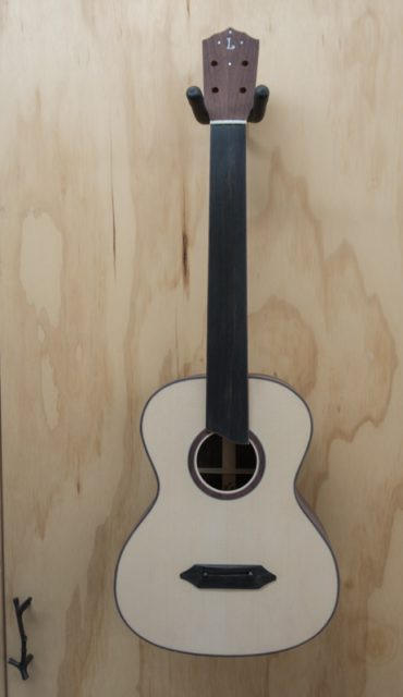 Lichty Fretless Tenor Ukulele Constuction UI127
