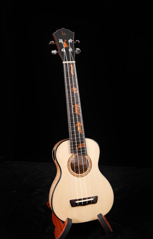 Lichty-custom-soprano-ukulele-U139