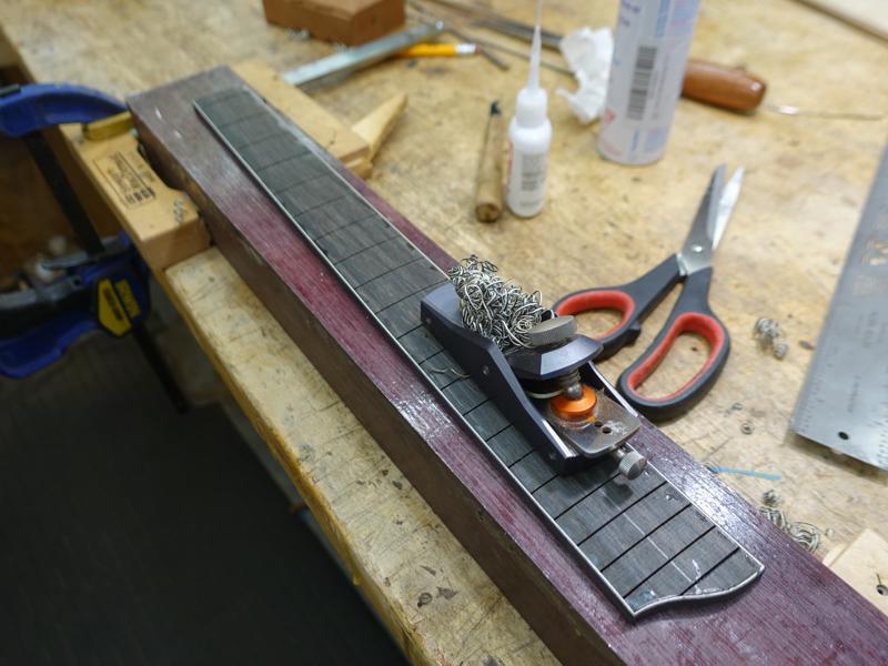 Lichty-Custom-Archtop-Ukulele-U142